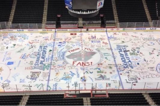 Minnesota Wild Let Season Ticket Holders Paint Ice at End of Season