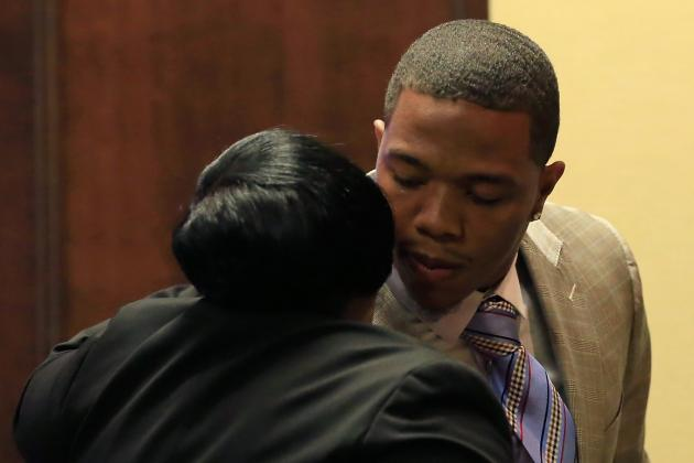 Ray Rice's Lawyer Speaks, Defends Rice