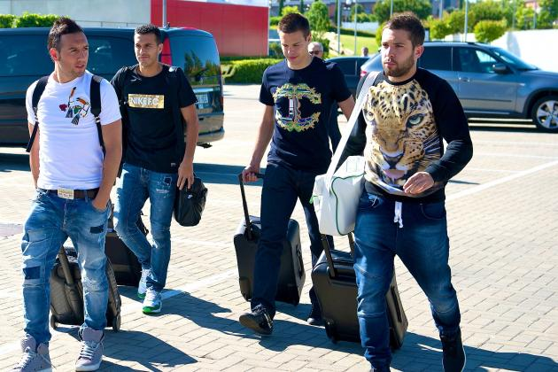 Jordi Alba Shows Up to Spain Training Wearing Fierce Shirt
