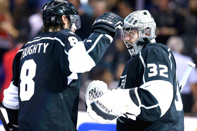 Kings Stars Stay in Dominant Form to Put Blackhawks on Brink of Elimination