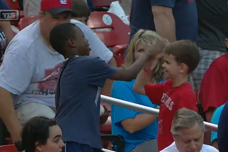 Derek Jeter Singles out Young Yankees Fan at Busch Stadium to Give Him a Ball