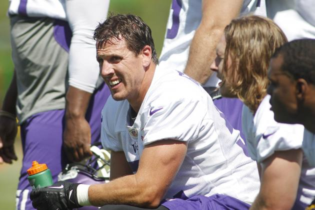 Vikings LB Chad Greenway Rescues Couple from Boat Trouble on Lake Minnetonka