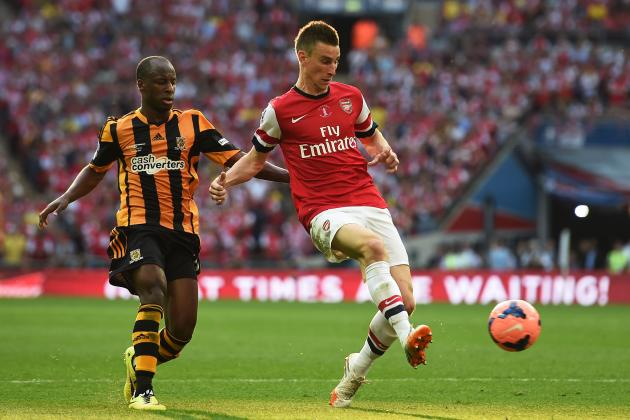Arsenal Transfer News: Laurent Koscielny Urges Summer Striker Move