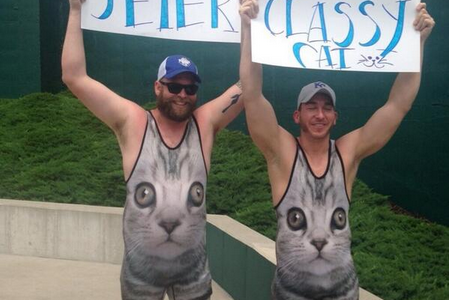 Kansas City Royals Fans Wear Cat Singlets, Bid Derek Jeter Farewell