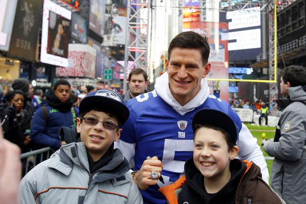 Giants Punter Steve Weatherford Crashes Prom, Makes Students' Dreams Come True