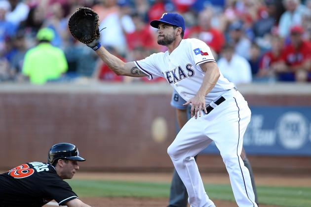Rangers Call Up Journeyman Snyder to Replace Moreland at 1B