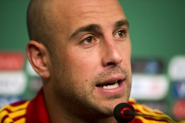 Liverpool Transfer News: Rafael Benitez Says Pepe Reina's Future Is at Liverpool