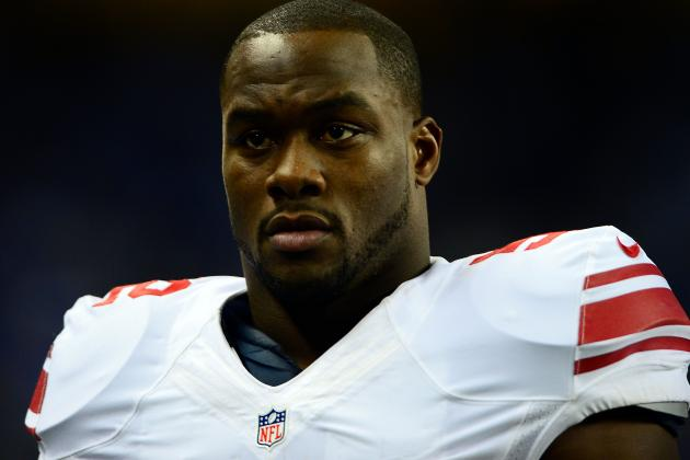Jon Beason Carted off Field at Giants OTAs
