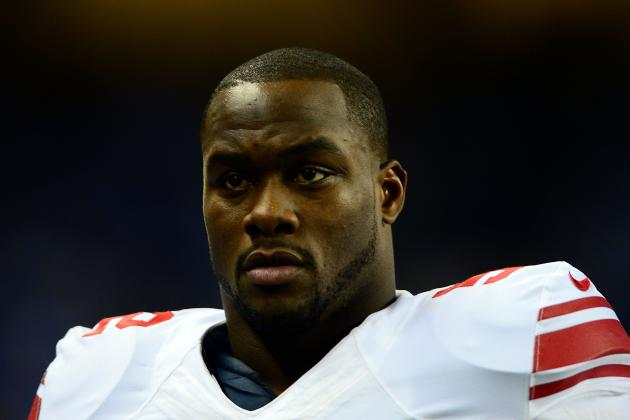 Jon Beason carted off field at New York Giants practice