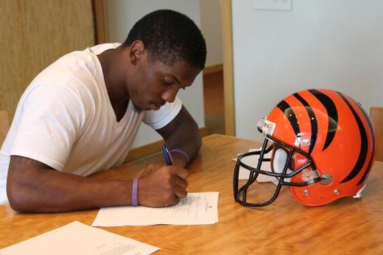 Dennard Signs After Encouraging Debut