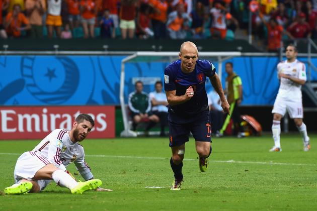 Spain vs. Netherlands: Film Focus on Vicente Del Bosque's Odd, Porous Tactics