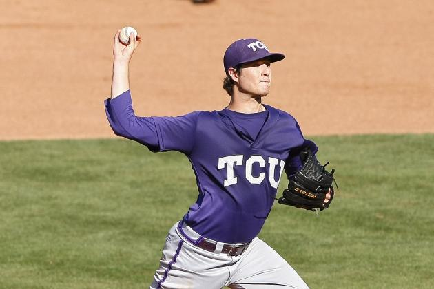 CWS 2014: Schedule, Updated Bracket and Predicted Scores for Sunday's Games