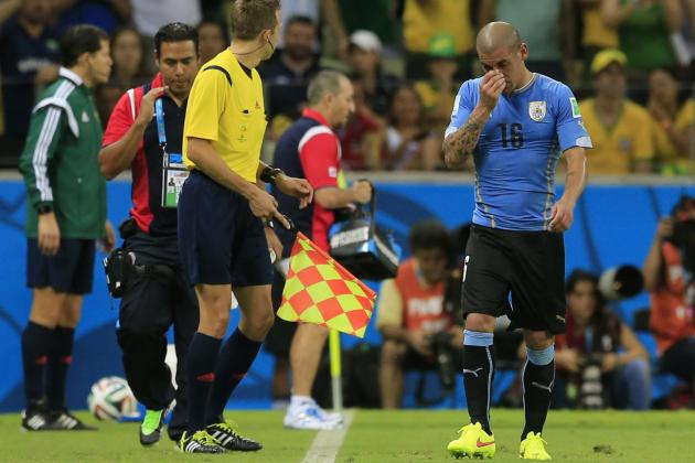 Maxi Pereira Red Card: How Uruguay Will Cope in Star's Absence
