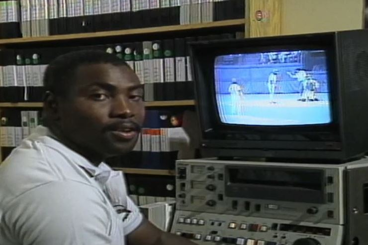 We Remember: Tony Gwynn Pioneers Video Analysis for Players on His VCR