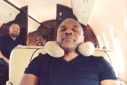 Mike Tyson 'Forces' Dana White out of Airplane Seat