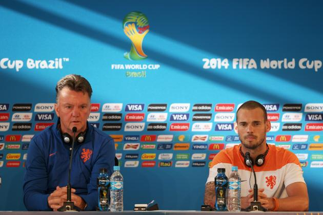 Manchester United Transfer News: Wesley Sneijder Opens Door to Louis van Gaal