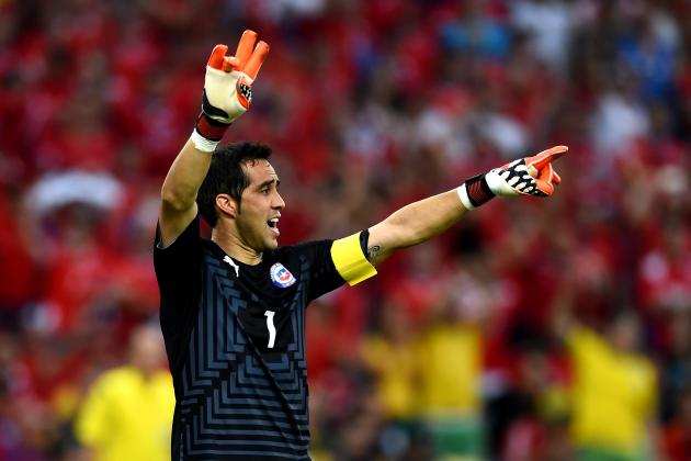 Scouting Report: Can Claudio Bravo Win the Starting Barcelona Goalkeeping Job?