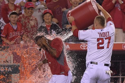 Howie Kendrick's Walk-off Double in 10th Lifts Los Angeles Angels Past Rangers