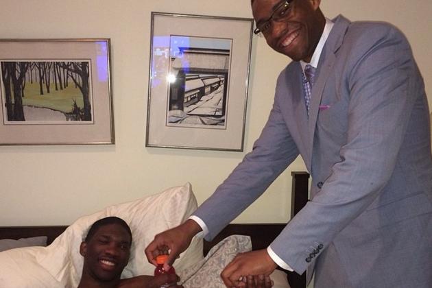 Jabari Parker Visits Recovering Joel Embiid, Brings Oreos
