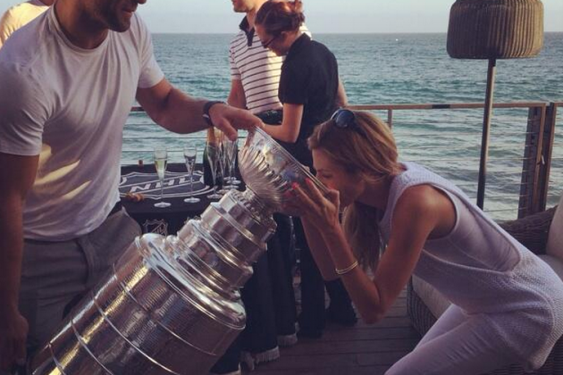 Erin Andrews, Las Vegas Partiers Drink from the Stanley Cup
