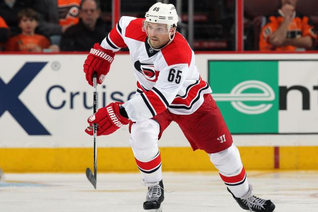 Hurricanes Agree to Terms with Ron Hainsey
