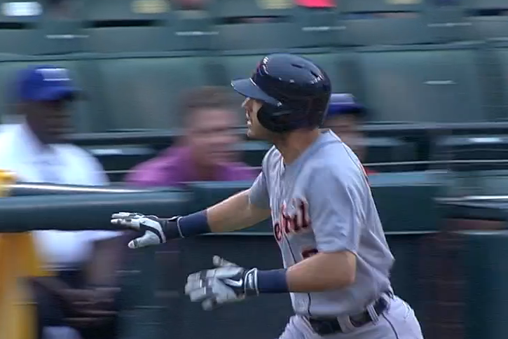 Ian Kinsler Waves to His Former Rangers Teammates After Home Run