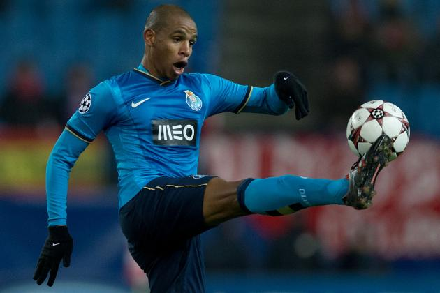 Man City Acquire €15M Fernando from Porto
