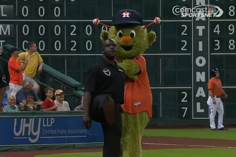 Astros Mascot Orbit Loses Dance-off to Security Guard Between Innings