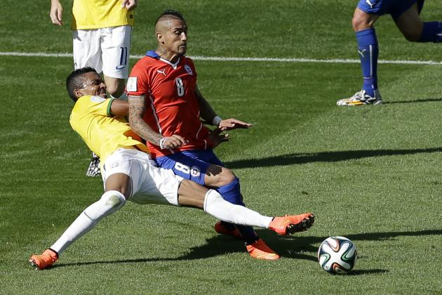 Luiz Gustavo Suspended 1 Match After Yellow Card vs. Chile