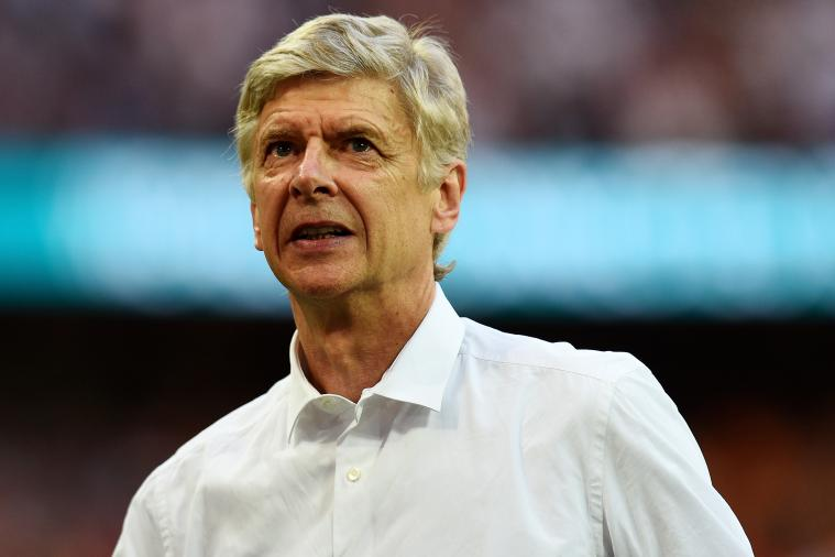 Arsene Wenger's Choice of Skimpy Swimwear Is the Talk of Twitter
