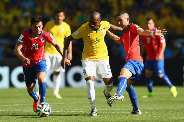 Manchester City's Fernandinho Could Perform Brazil World Cup Roles at Club Level
