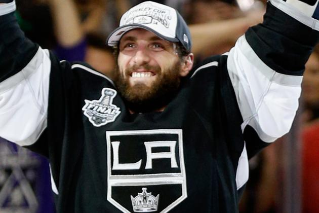 Kings Could Look to Re-Sign Stoll, Williams