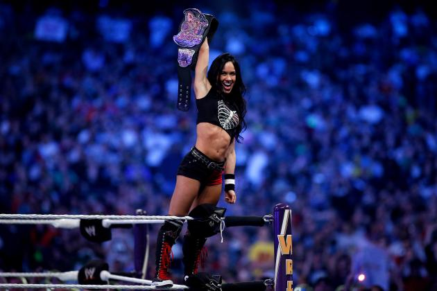 AJ Lee Wins WWE Divas Championship vs. Paige in Return to Raw