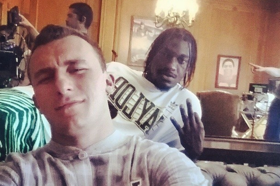 Photo: Johnny Manziel Posts a Heisman Winner-Filled Selfie with RG3
