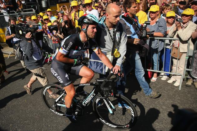 Mark Cavendish Ruled out of Tour De France with Dislocated Shoulder