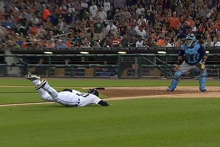 Tigers Rookie Eugenio Suarez Turns into Easy out at Home After Face-Planting