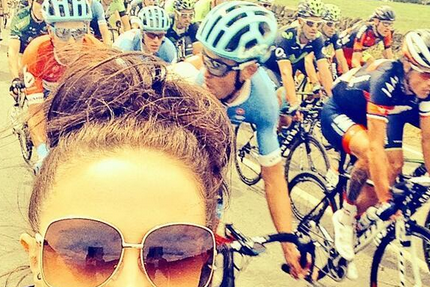 Tour de France Cyclists Fed Up with Spectators Taking Selfies on Course