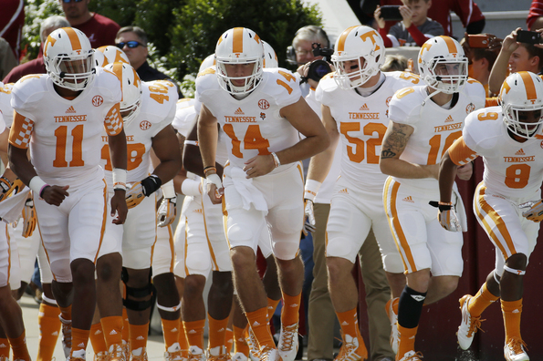Tennessee 2014 Quarterback Fall Practice Preview: Depth Chart and Analysis
