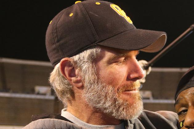 Brett Favre Jersey Retirement Doubtful in 2014