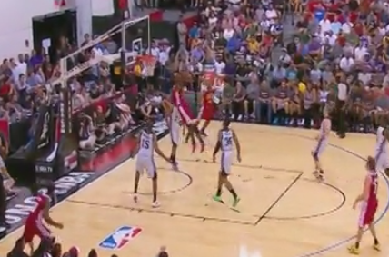 Video: Bennett's Emphatic 2-Handed Jam