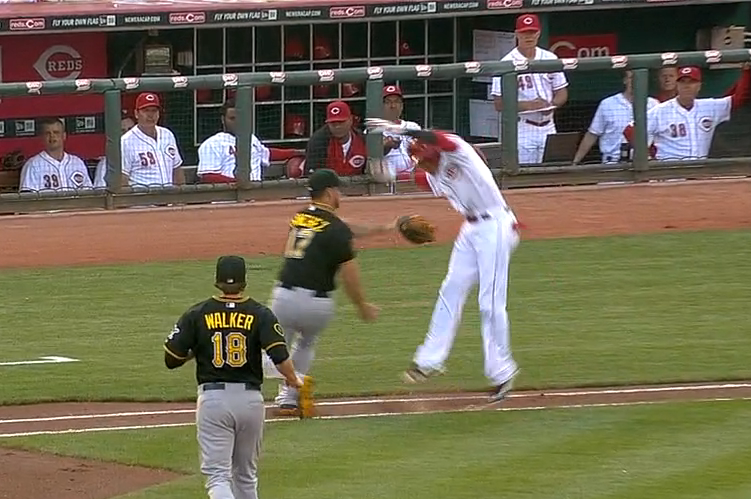 Reds' Billy Hamilton Uses Hesitation Move to Avoid Tag, Arrive at First on Bunt