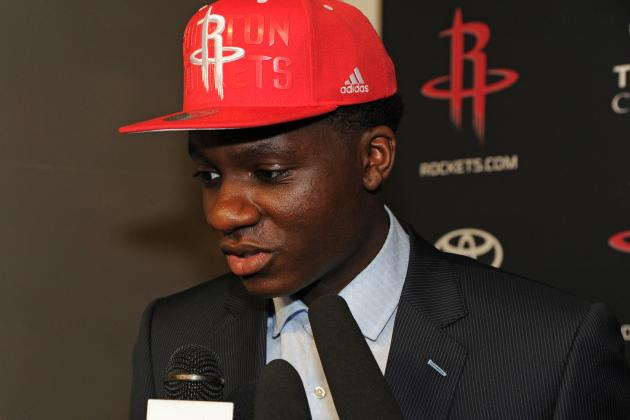 Sources: Capela, Rockets in Contract Dispute