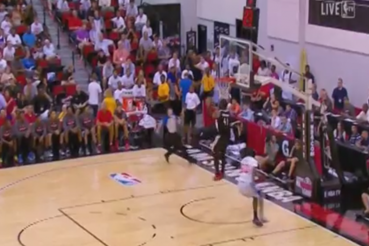 Portland Trail Blazers' Thomas Robinson Has Epic Fail on Showoff Dunk Attempt