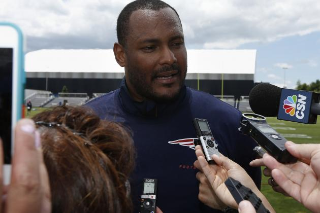 Will Smith Adds Missing Veteran Presence to Patriots 2014 Training Camp