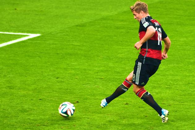Are Real Madrid Making Mistake Replacing Angel Di Maria with Toni Kroos?