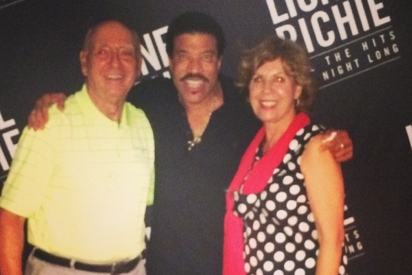 Dick Vitale Live-Tweeted a Lionel Richie Concert as Only Dick Vitale Can