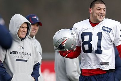 League, NFLPA May Want to Look at Belichick-Hernandez Texts