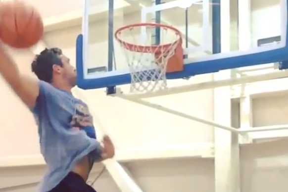 Browns TE Jordan Cameron Throws Down Nasty Windmill at the Gym