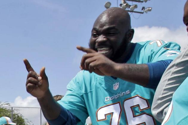 Fins DT Johnson Ready to Prove to His Community He Can Excel at Next Level
