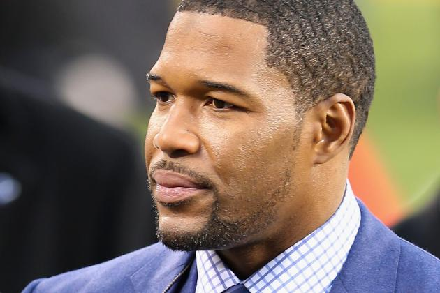 Michael Strahan Appears on Tonight Show